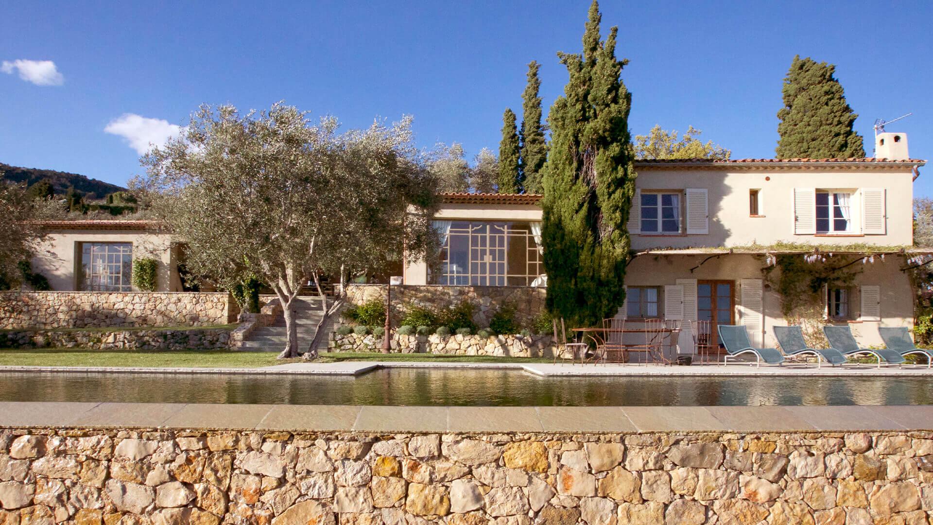 Bastide Provencale villa and swimming pool