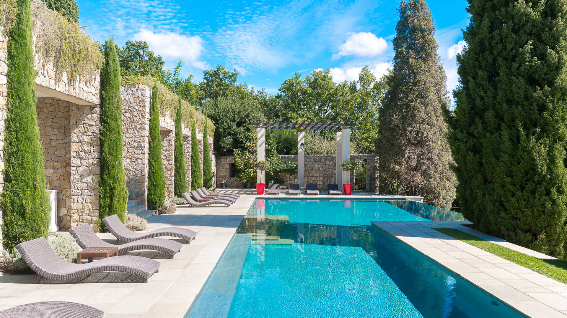 Bastide Provencale swimming pool and loungers