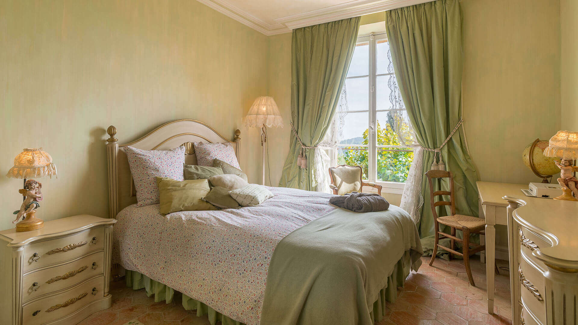 Bastide Provencale green bedroom with view