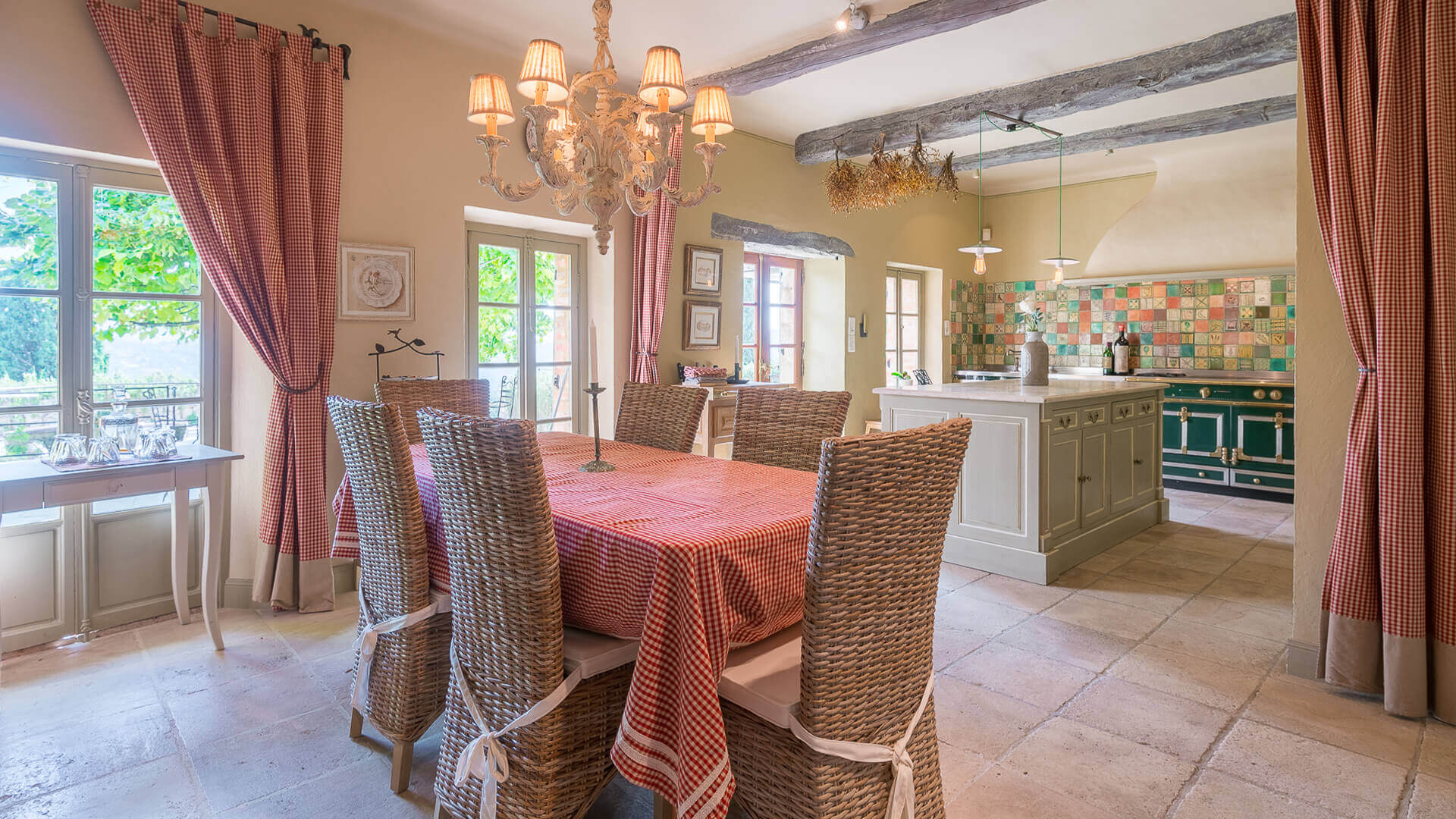 Bastide Provencale kitchen and dining area