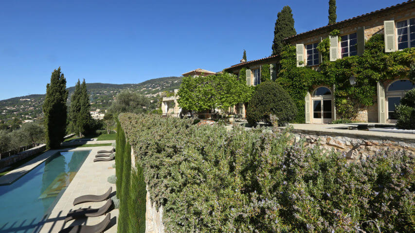 Bastide Provencale garden plateau and swimming pool