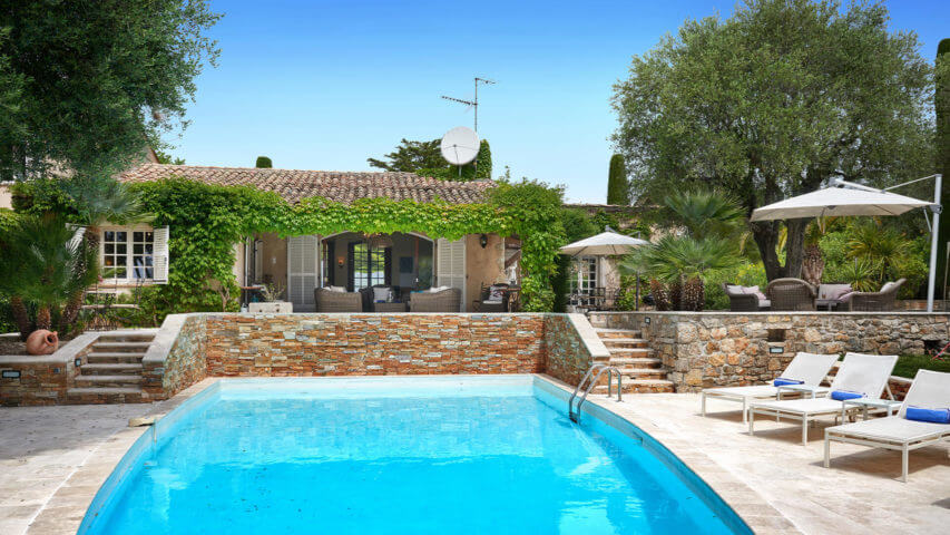 Bastide in Mougins garden with swimming pool