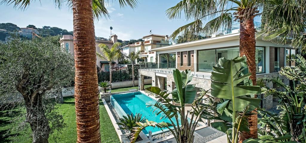 Beautiful villa outside Grasse graden and swimming pool