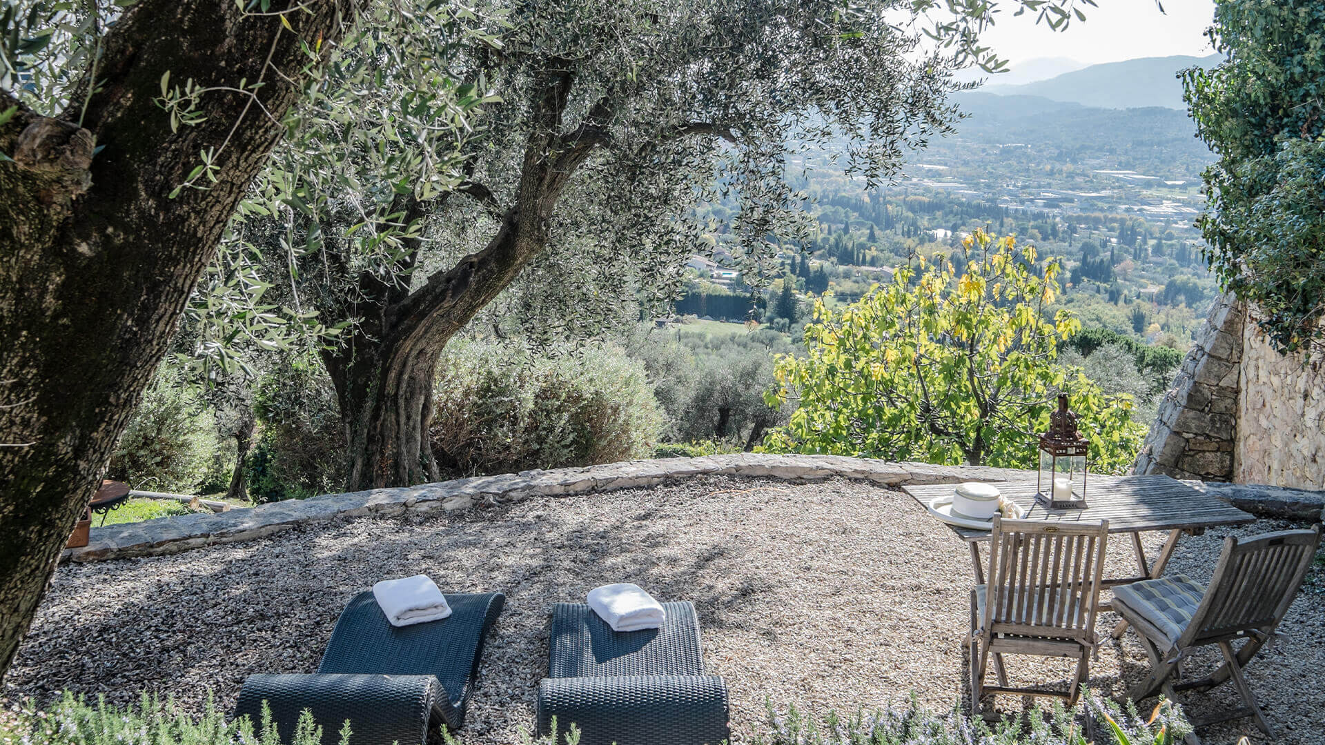 Beautiful villa outside Grasse with loungers and view of valley