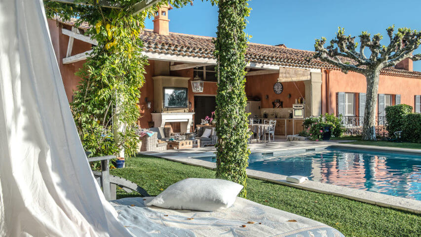 Beautiful villa outside Grasse garden with daybed and swimming pool