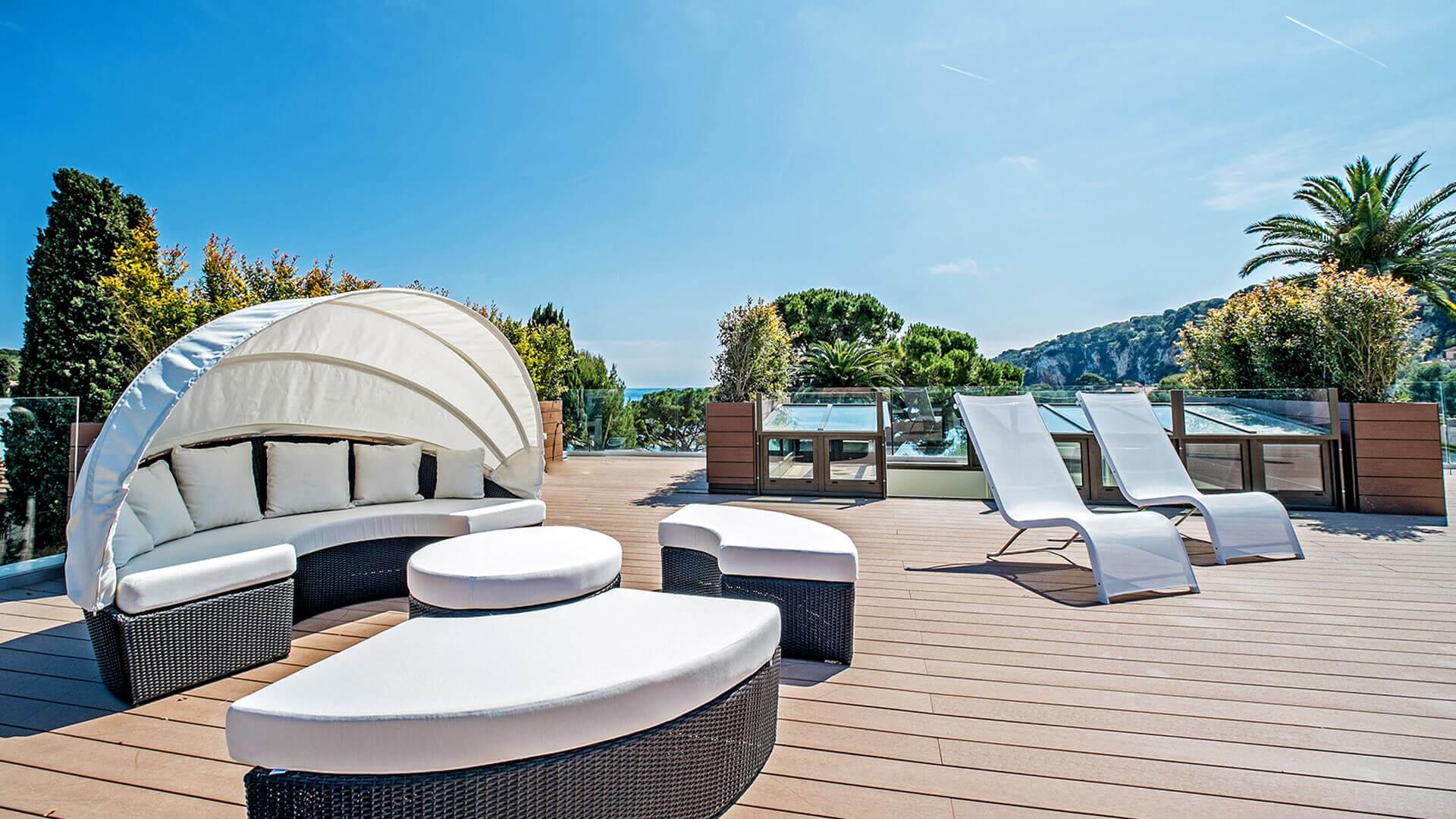 Large Luxury villa veranda sitting area