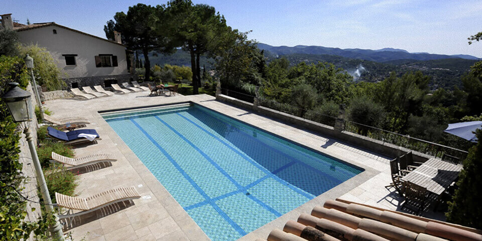 Large villa Cabris with swimming pool and loungers