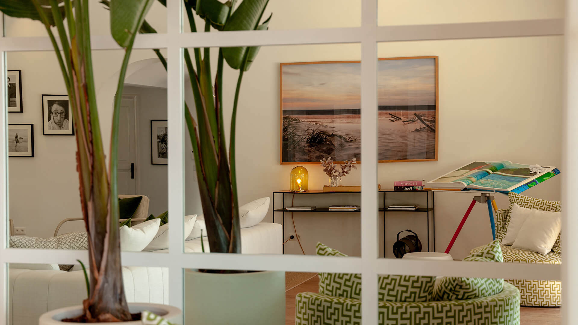 Luxury villa Les Parcs de Saint Tropez living room