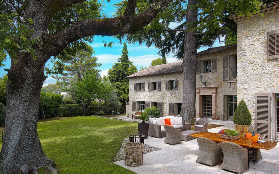 Luxury villa in Mougins close to the International School