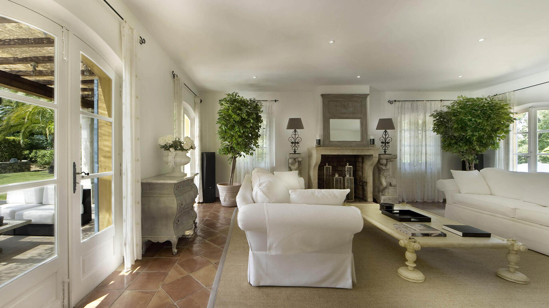Saint Tropez Villa renaissance style living room with white sofas