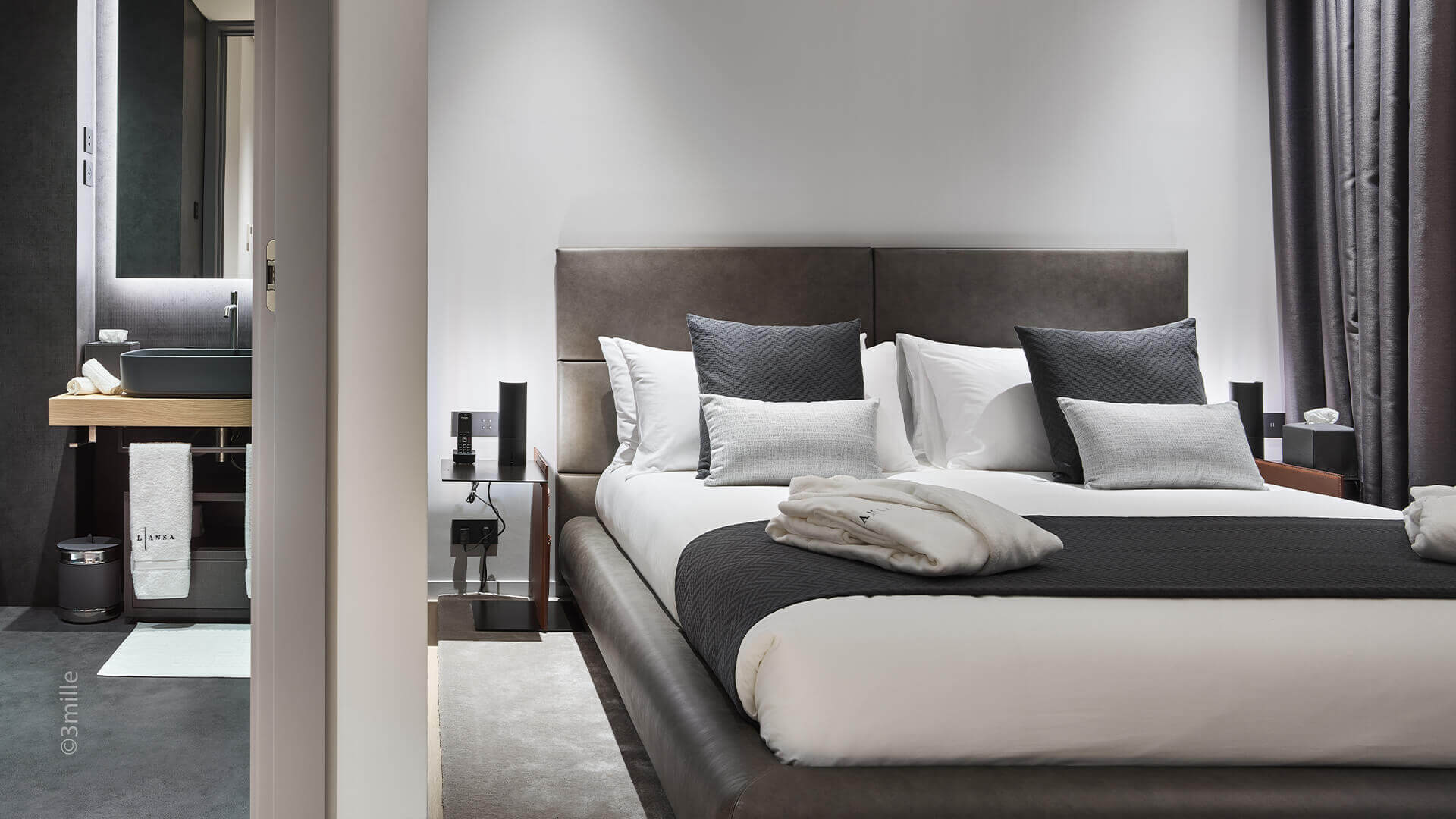 Super Cannes Luxury bedroom and marble bathroom