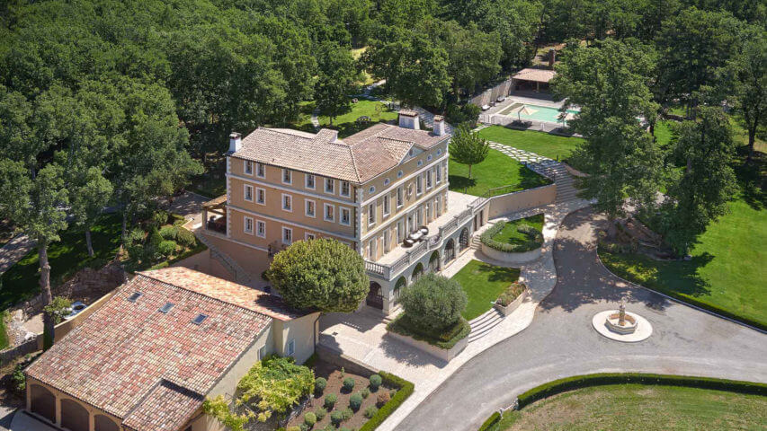 Ultra luxurious estate in Fayence with garden from above