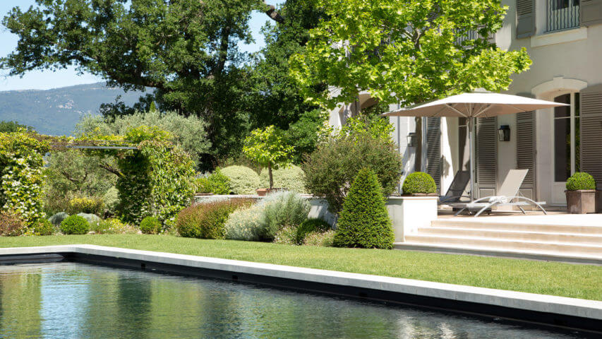 Villa Fayence green garden patio and swimming pool