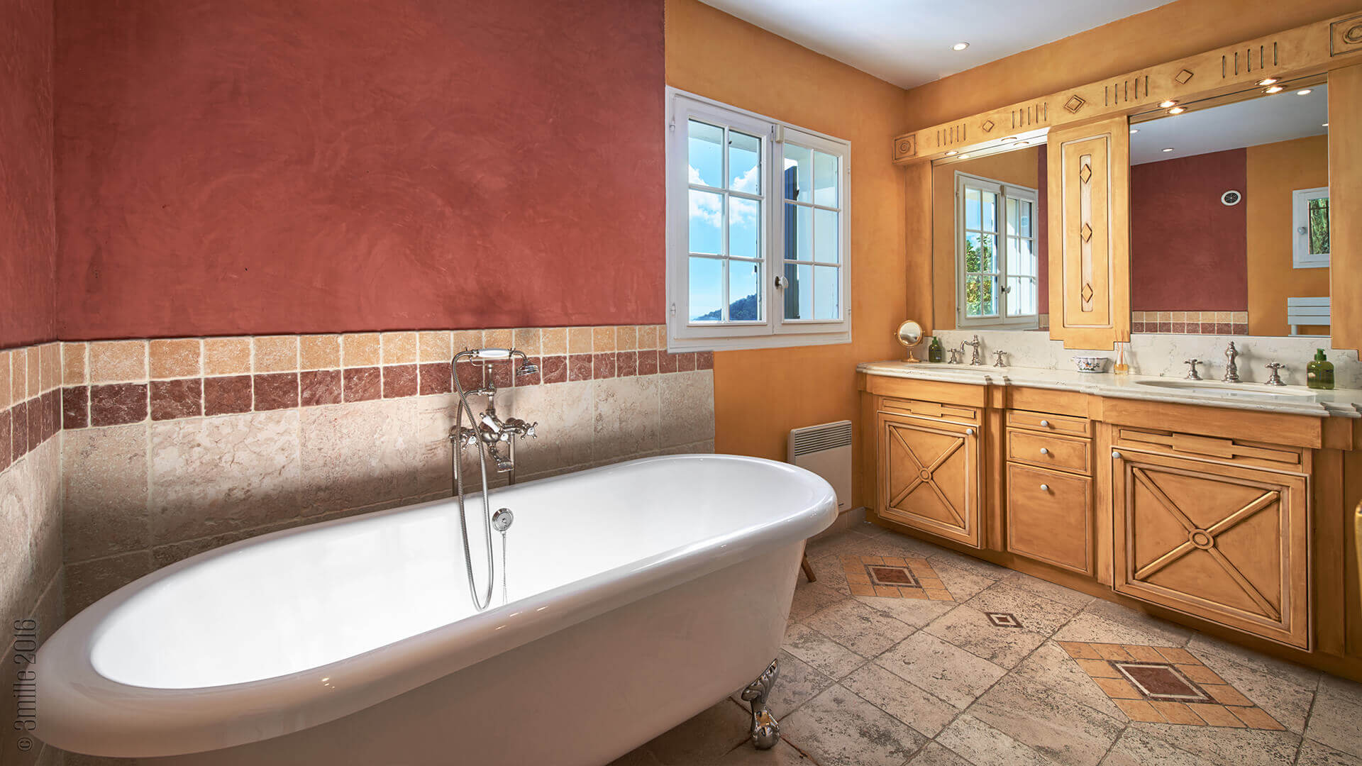 Villa Savoy red bathroom with bathtub
